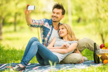 7 Picture Perfect Outdoor Date Ideas
