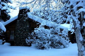 5 Ways to Experience a Real Alaska Cabin