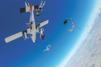 All-Women Skydiving Team Sets World Record Over Arizona